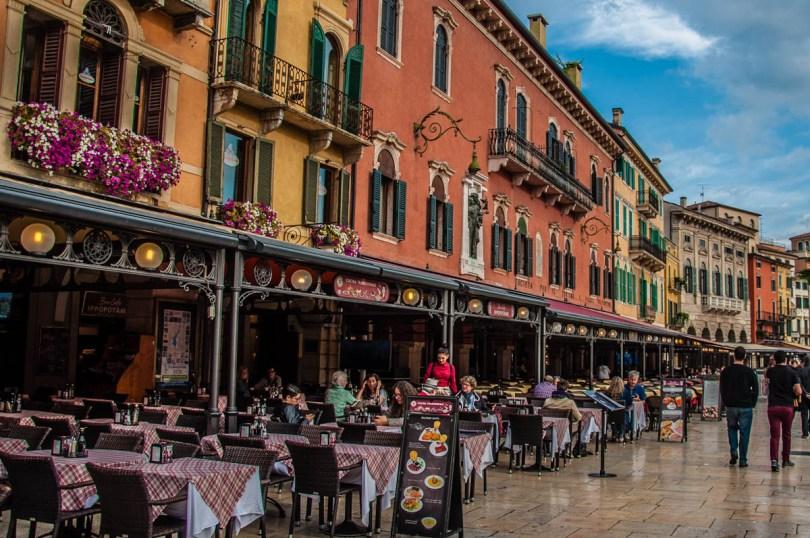 Piazza Bra - Verona, Veneto, Italy - rossiwrites.com