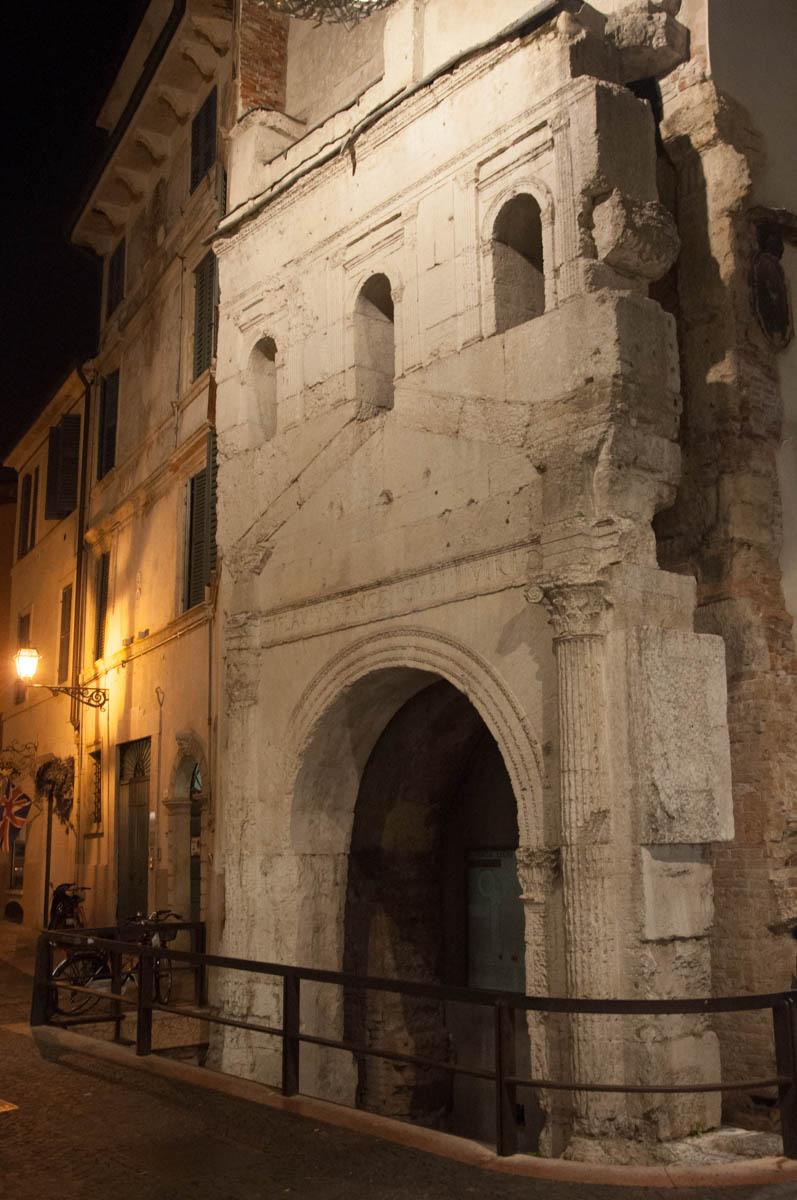 Porta Leoni - Verona, Veneto, Italy - rossiwrites.com