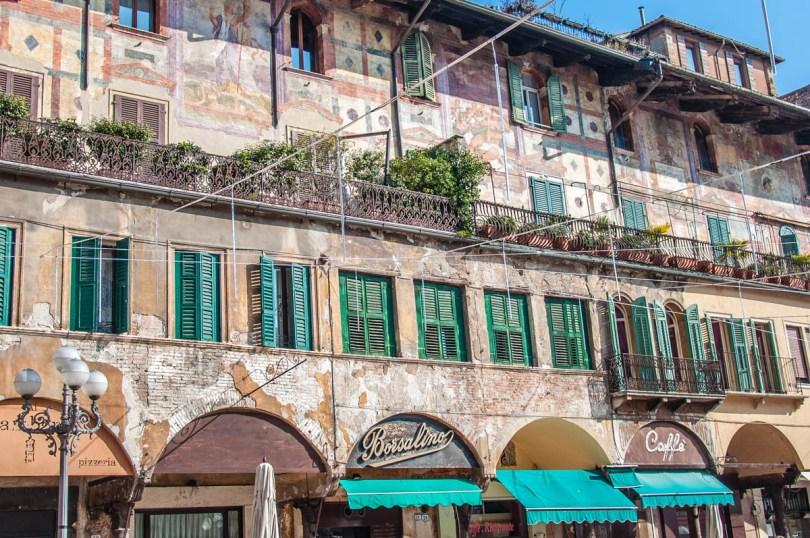 The Mazzanti House on Piazza delle Erbe - Verona, Veneto, Italy - rossiwrites.com