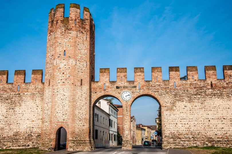 Porta XX Settembre in the town's medieval defensive wall - Montagnana, Veneto, Italy - rossiwrites.com