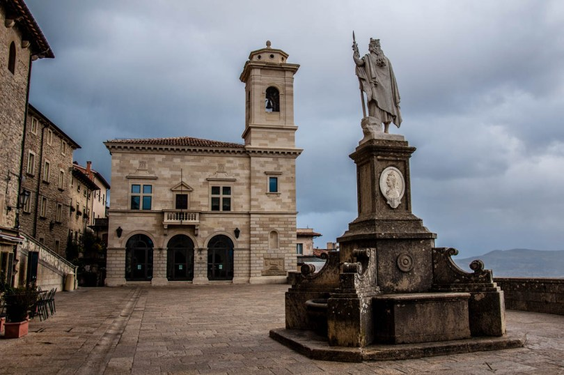 The statue of Liberty and Liberty Square - San Marino - rossiwrites.com