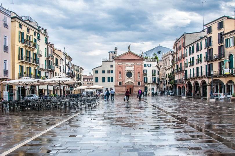Piazza dei Signori - Padua - Veneto, Italy - rossiwrites.com