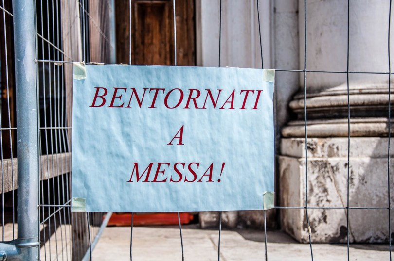 Sign announcing the reopening of the churches for religious services - Venice, Italy - rossiwrites.com