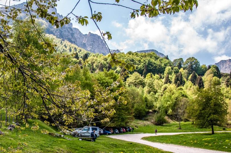 The car park - Casare Asnicar - Sentiero dei Grandi Alberi - Province of Vicenza, Veneto, Italy - rossiwrites.com