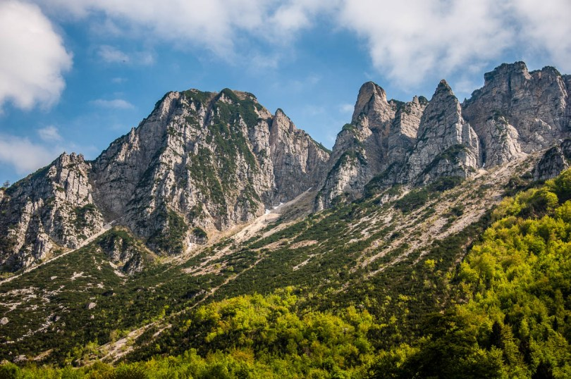 The rocky peaks of the Little Dolomites - Sentiero dei Grandi Alberi - Province of Vicenza, Veneto, Italy - rossiwrites.com
