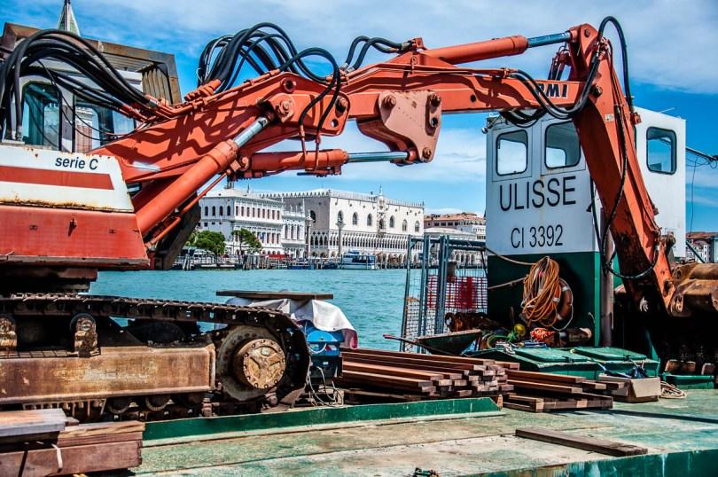 A digger on a platform at Punta della Dogana - Venice, Italy - rossiwrites.com