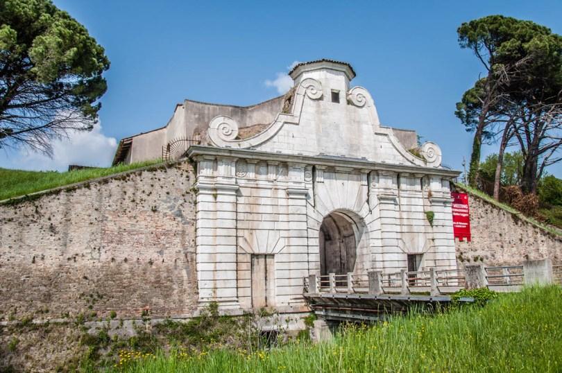 Porta Aquileia Monumental Gate - Palmanova, Friuli-Venezia Giulia, Italy - www.rossiwrites.com