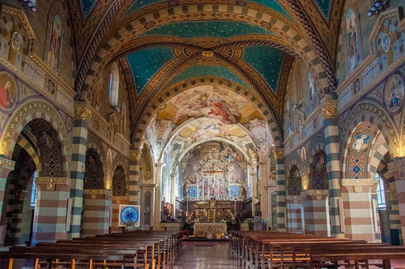Inside view of San Colombanus' Abbey - Bobbio, Province of Piacenza - Emilia-Romagna, Italy - rossiwrites.com