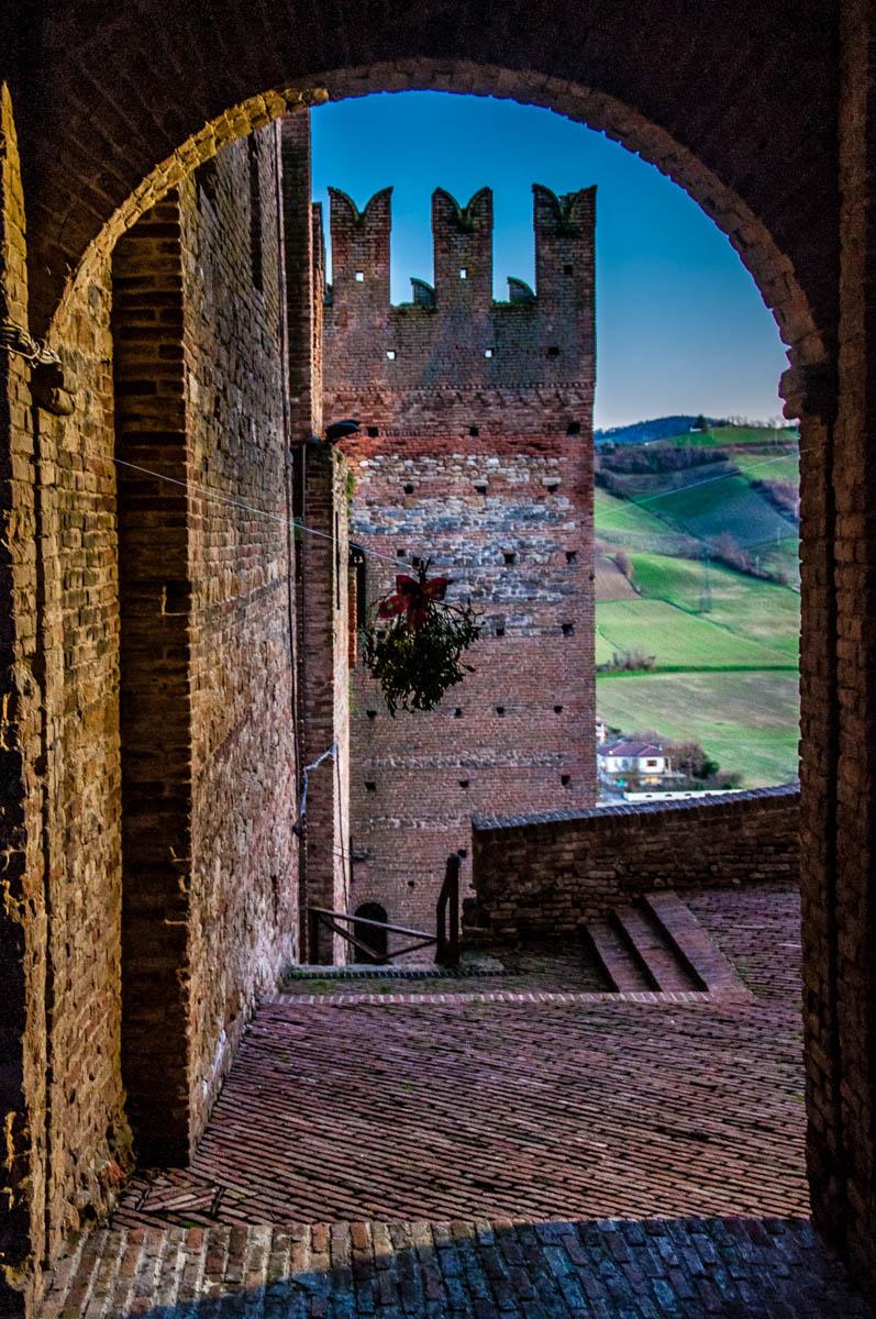 The medieval castle - Castell'Arquato, Province of Piacenza - Emilia-Romagna, Italy - rossiwrites.com
