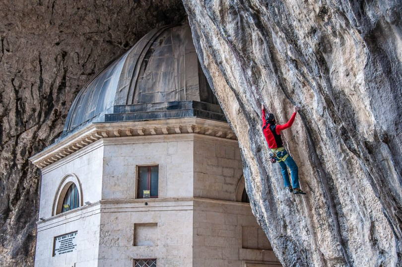 Rock climbing next to the Valadier Temple - Frasassi Caves, Italy - rossiwrites.com