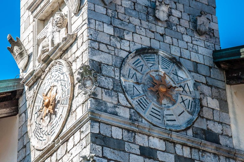 The clocks on the clock tower of Palazzo Comunale - Venzone, Italy - rossiwrites.com