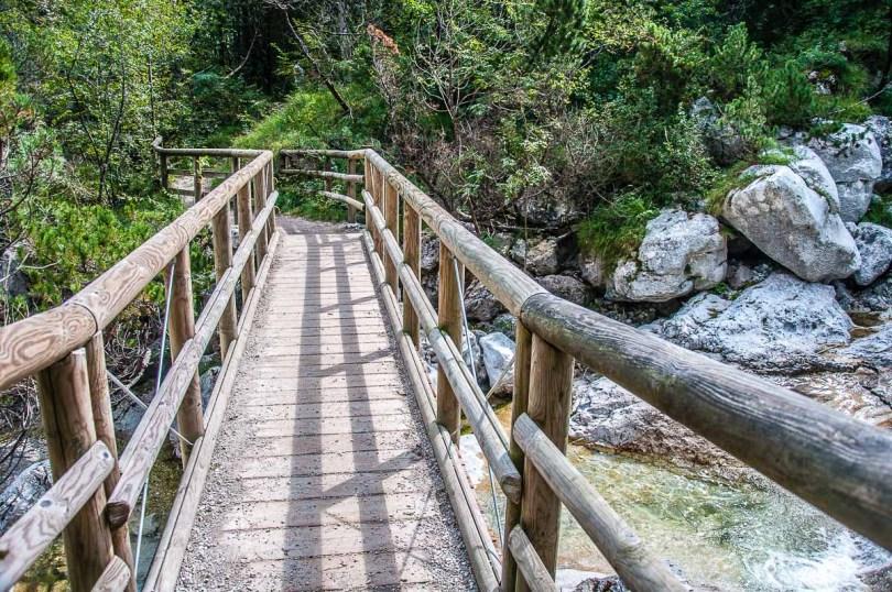 The wooden bridge over the pools - Cadini del Brenton - Dolomites, Italy - rossiwrites.com