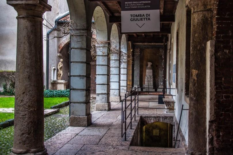 Juliet's Tomb - Verona, Veneto, Italy - rossiwrites.com