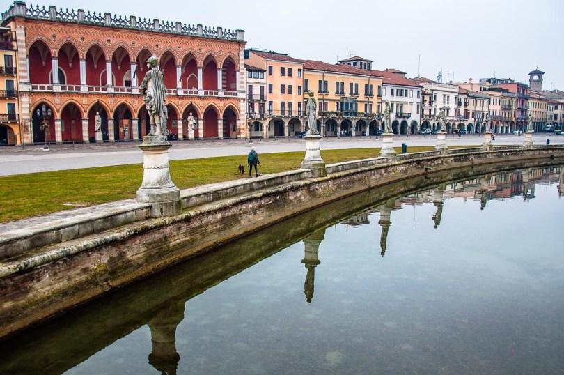 Loggia Amulea with the elliptical canal of Prato della Valle - Padua, Italy - rossiwrites.com