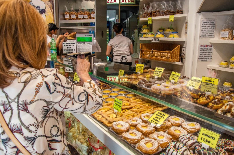Traditional breakfast pastries and sweets - Bergamo Upper City, Lombardy, Italy - rossiwrites.com