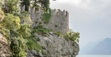 10 Must-see Castles at Lake Garda in Italy - Web Story