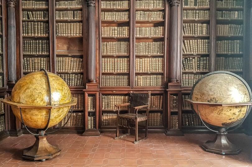 Inside the Biblioteca Federiciana - Fano, Italy - rossiwrites.com
