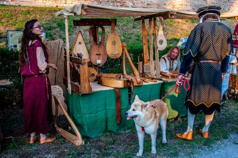 A stall with historical music instruments at the medieval reenactment - Cittadella, Italy - rossiwrites.com