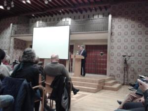 Heribert Prantl spricht am 27.10.14 im Stadtweinhaus und lobt Münsters Flüchtlingspolitik. Foto: Rostek.