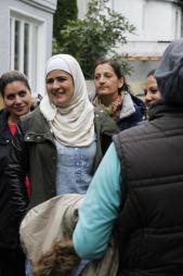 Fahrradübergabe an Flüchtlingsfrauen