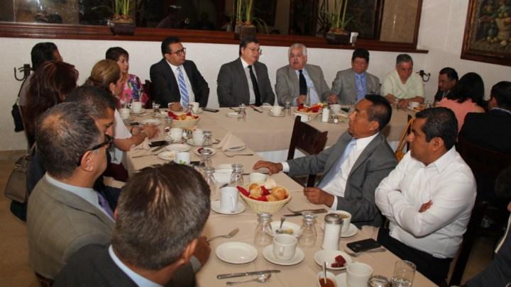 Es hora de sumar por Oaxaca, dicen abogados al presidente del TSJO