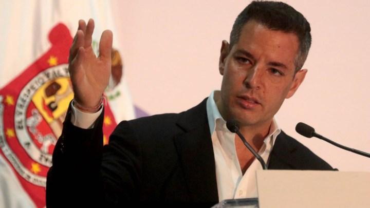 """CRÓNICA EXPRÉS: """"Algunas mujeres me han fallado"""": Alejandro Murat"""