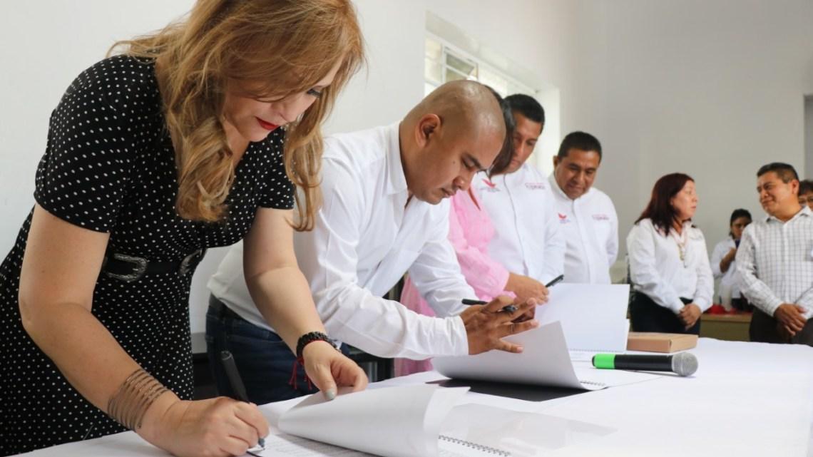 El IEEA re inaugura plaza comunitaria en Santa Lucía del Camino y firma convenio de colaboración