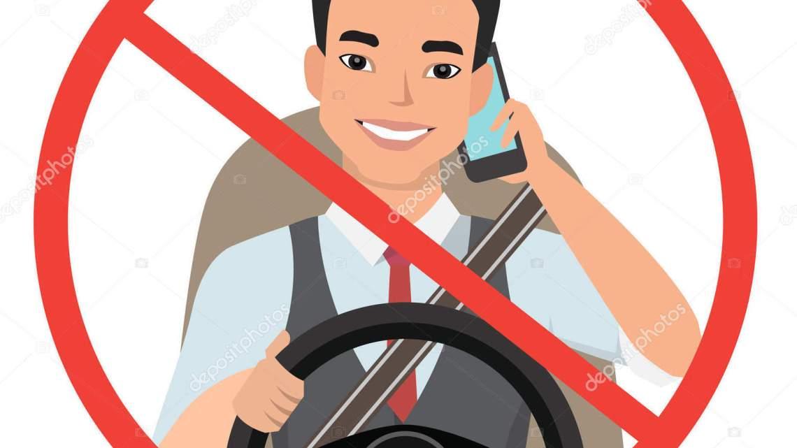 Prohiben a conductores de vehículos de autotransporte federal usar celular mientras manejan