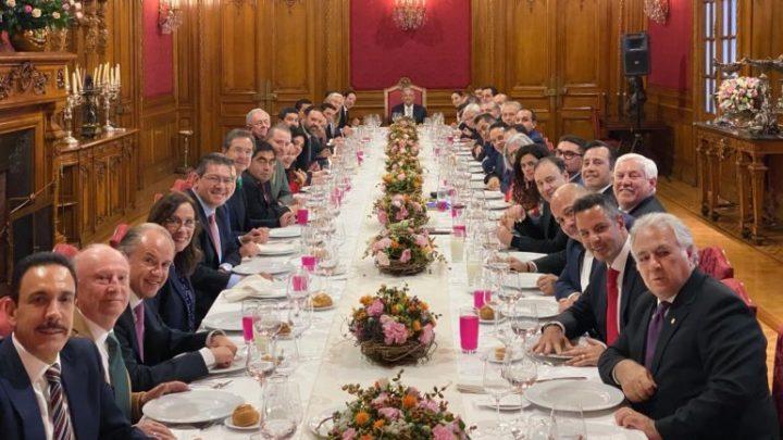 CRÓNICA POLÍTICA: Federación ¿sacrificará a estados y municipios?