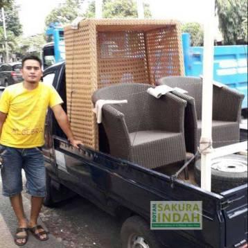 pengiriman-furniture-rotan-01
