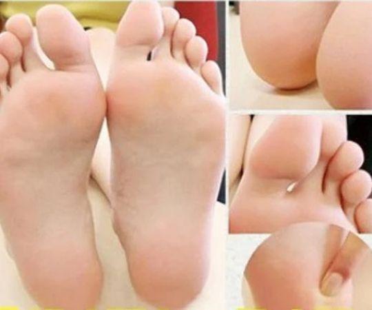 Deep Moisturizing & Exfoliating Feet Peel Mask (1 Pair Set)