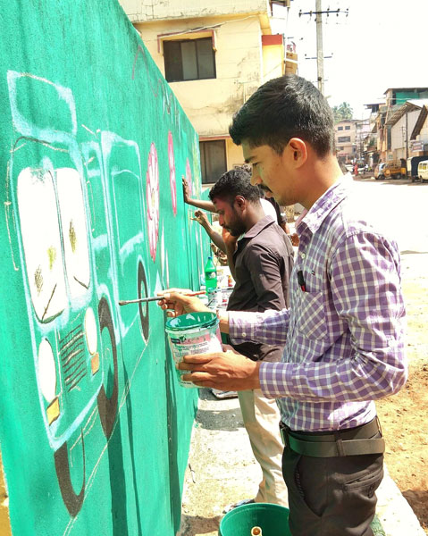 Wall makeover during Swachh Bharat campaign.