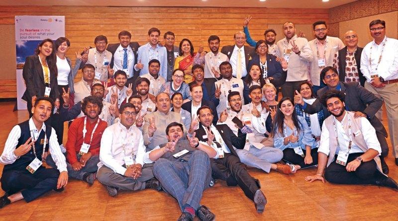 District Rotaract leaders with RIPN Shekhar Mehta, Rashi, RID Kamal Sanghvi, RI General Secretary John Hewko, his wife Margarita, TRF Trustee Jennifer Jones, PDGs Shyamashree Sen and Ruchir Jani.