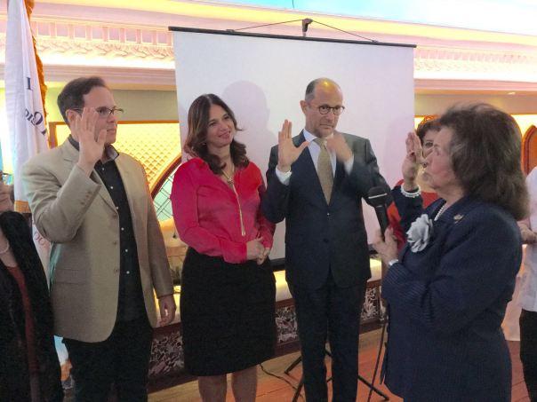 PGD Sra Milqueya Portes juramenta como socio honorarios a Frank Ceara y a José Antonio Rodriguez - 13 Abril 2016