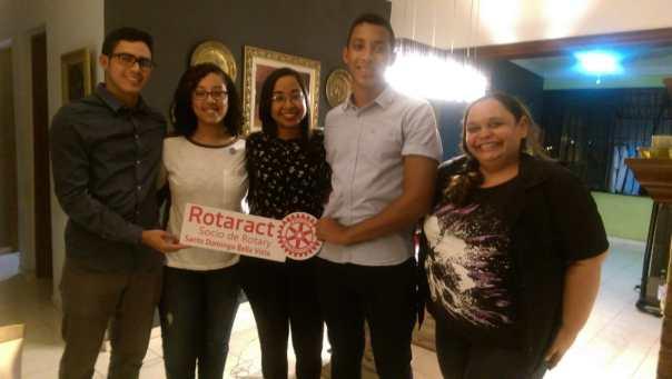 Juramentación de los 3 nuevos socios del Rotaract Santo Domingo Bella Vista