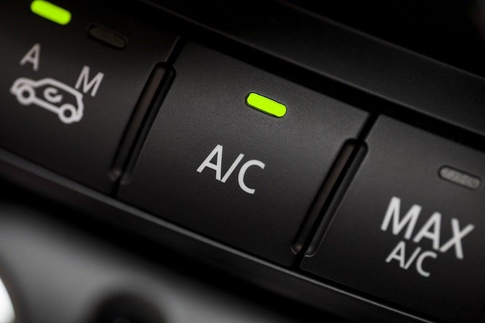 Apa Penyebab AC Mobil Berisik?