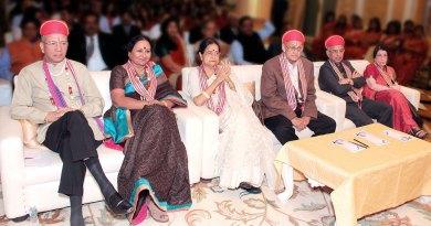 RI President K R Ravindran and Vanathy; PRIP Kalyan Banerjee and Binota; PRIP Rajendra K Saboo and Usha at Udaipur.