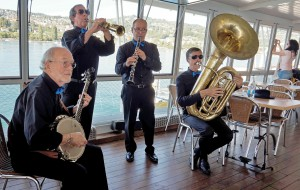A live Jazz band on the boat.