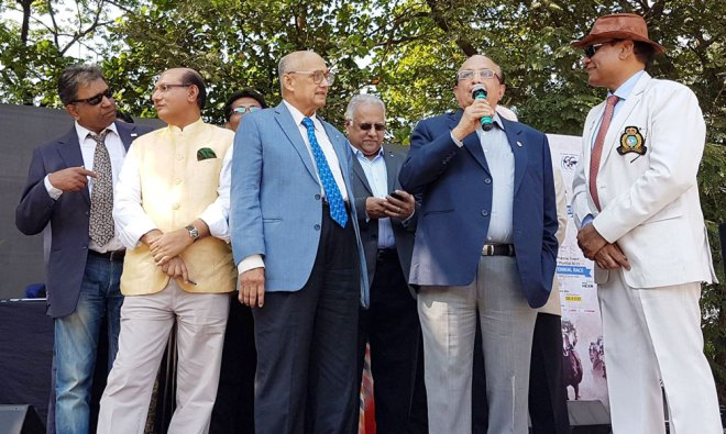 (From left) DGE Prafull Sharma, RRFC Kamal Sanghvi, TRF Trustee Chair Kalyan Banerjee, RID Manoj Desai, PRID Ashok Mahajan and DG Gopal Mandhania at the event;