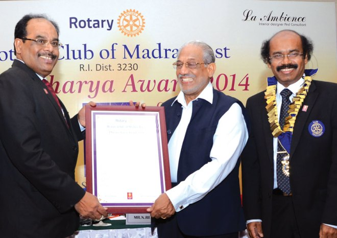 Mr Namasivayam Reguraj (centre), Managing Director NTTF (Nettur Technical Training Foundation), was honoured with Dronacharya Award for his distinguished services in the field of vocational education. This award was presented by RC Madras East, RI District 3230.