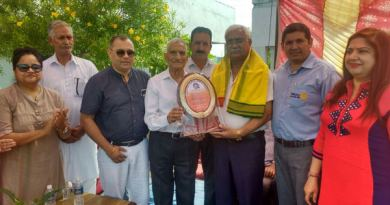 State Chief Commissioner of J&K Bharat Scouts and Guides I D Soni along with others during the Rotary programme.