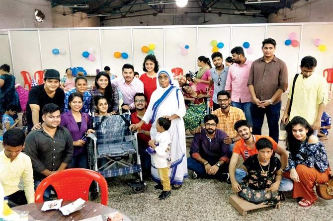 The group at Ashadaan where they donated a wheelchair commode among other gifts to the inmates.