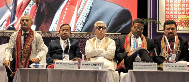 From R: RI District 3240 DG Sunil Saraf, RI District 3282 DG Tayub Chowdhury, Tripura Chief Minister Manik Sarkar, Bangladesh Railway Minister Mazibul Hoque and RC Agartala City President Dr S K Banik.