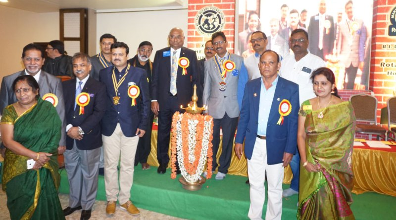 RID C Basker, DG Madhu Prasad Kuruvadi inaugurate the TRF Seminar in the presence of (from L) Sharada and PDG R Gopinath, DRFC Vinod Bansal, RC Hospet President P S Gurunath, DRFC Ramalinga Reddy, District Secretary V Tirupathi Naidu and Sudha Madhuri, spouse of DG Madhu Prasad.