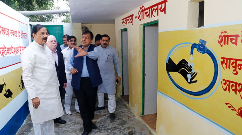 Above: WinS Target Challenge Committee Chair Sushil Gupta and Member Ramesh Aggarwal with Union Minister of State Mukesh Sharma during the inauguration of toilet blocks in the school at Gejha.