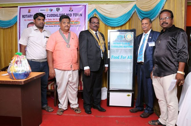 From left: RC Cuddalore Midtown Secretary P Santhosh Kumar, President B ­Murugan, DG Ramesh Babu, AG Madanchand Jain and IPP Apparsamy Balasubramanian at the inauguration of the 350-litre fridge.