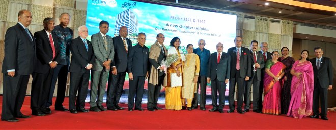 RIDN Kamal Sanghvi and Sonal being felicitated in the presence of the Rotary senior leaders.