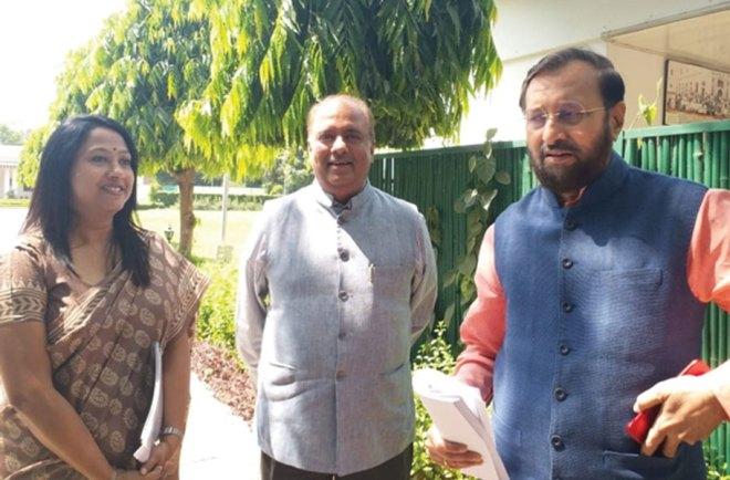 RILM Chair Shekhar Mehta (centre) with HRD Minister Prakash Javadekar (right) and Jhilam Roy Chowdhury, RILM's Deputy Director-Programmes.