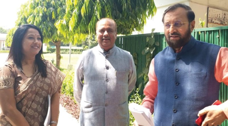 RILM Chair Shekhar Mehta (centre) with HRD Minister Prakash Javadekar (right) and Jhilam Roy Chowdhury, RILM's Deputy Director-Programmes.
