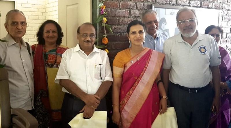 From L: Rotarians S K Ghia, Bhavna Ansari, Ravi Shinde, President Sudha Navandar, Yogesh Zaveri and Rajni Seth at the inaugural of the Centre.